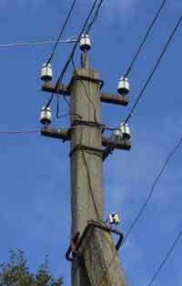 столб электросетей